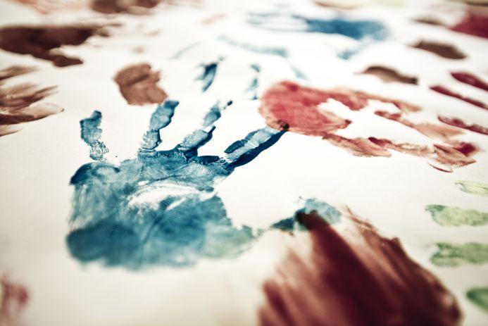 Aby nebyla činnost jednostranná, je výtvarná činnost proložena.